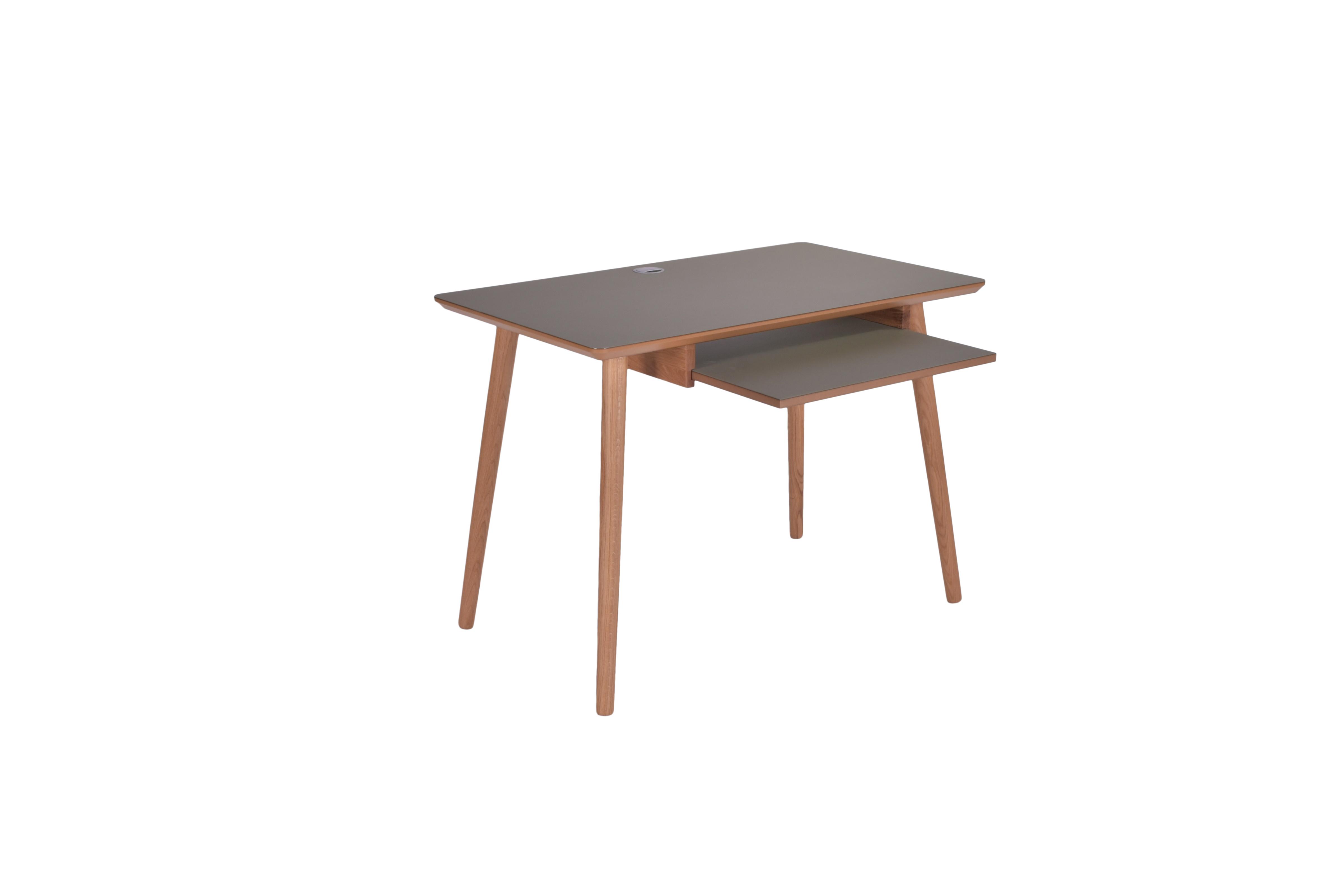 Image of   Skrivebord med keybord udtræk - Model Huston
