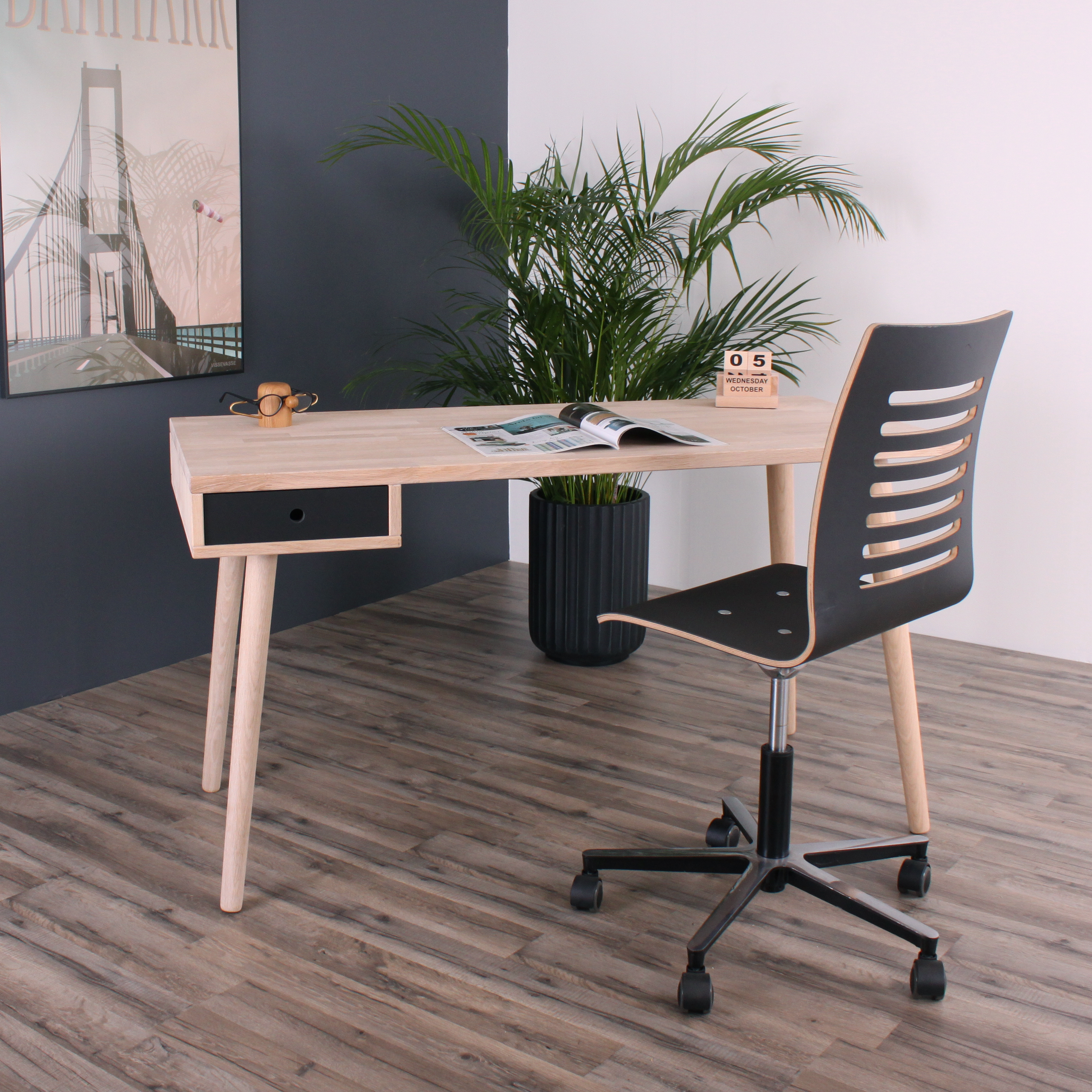 Denver skrivebord med 1 sort skuffe