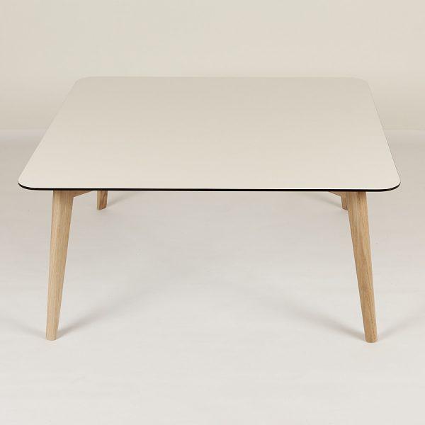 sofabord-hvid-firkant-hvide-ben-95x95-2
