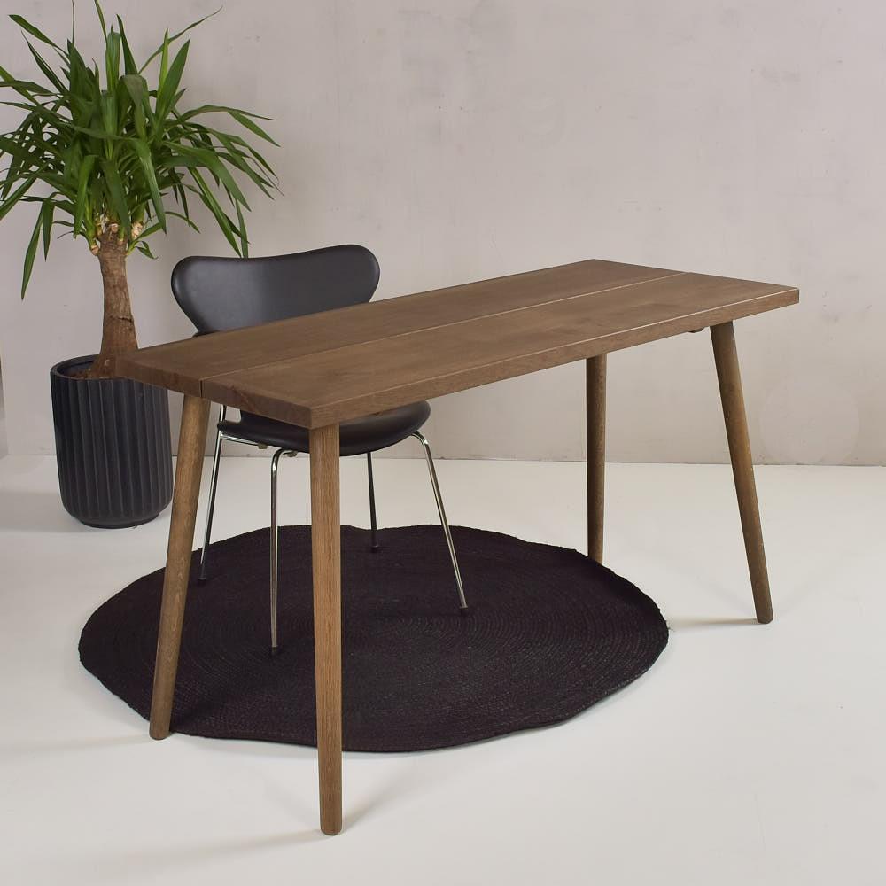 Image of   Planke skrivebord - røget eg - Model Gera - 120x60 cm
