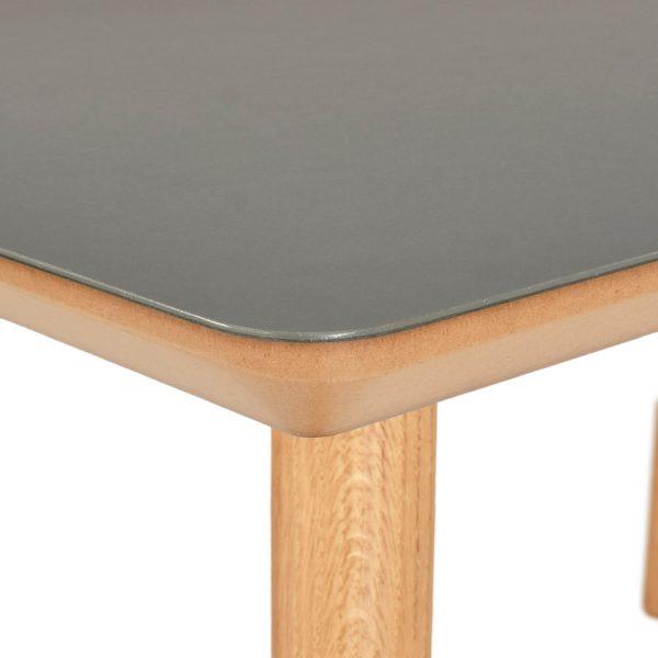 Linoleum spisebord detalje